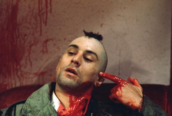 Robert De Niro Mimes a Shot to His Head in Taxi Driver