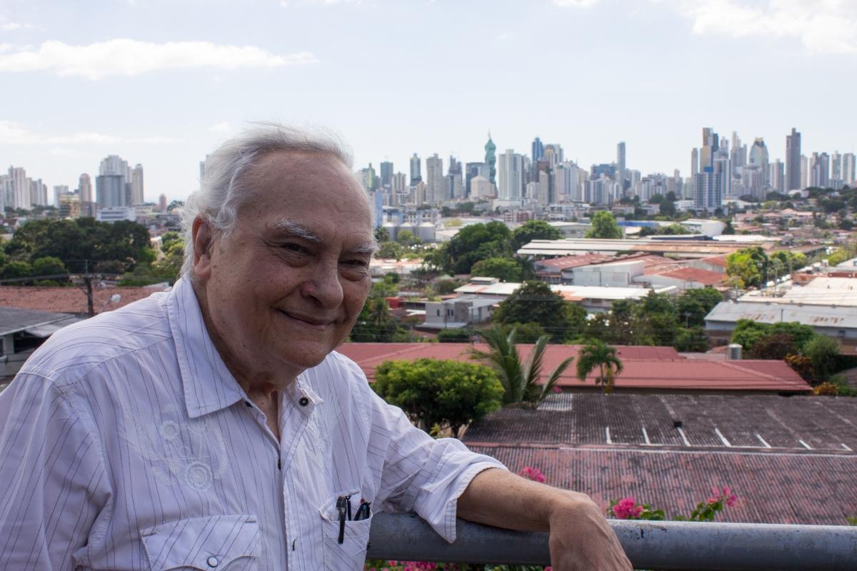 Memorias de la Ciudad X, Julio Rovi Fong